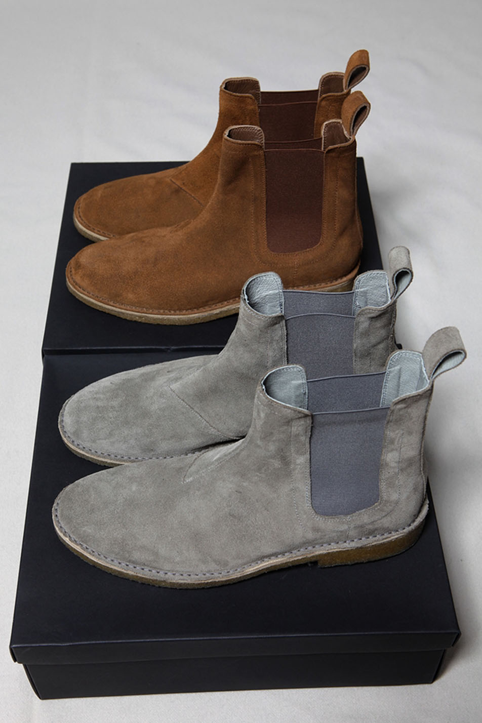 6284f982acc BOTTEGA Chelsea Boots In Brown & Gray